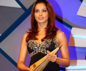 Bipasha at ET Retail Awards at Grand Haytt.