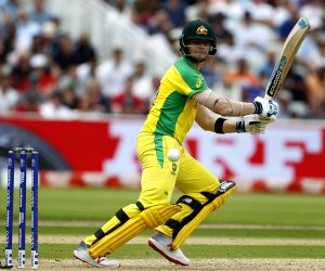 Smith hits gritty 85 as England bowlers dismiss Oz for 223(IANS at World Cup)