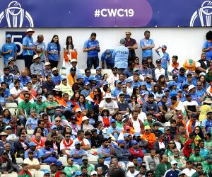 Bangla fans give Indian counterparts run for their money