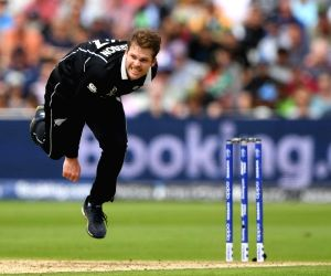 New Zealand restrict South Africa to modest 241/6
