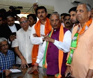 BJP delegation led by Union Minister Rajyavardhan Singh Rathore and Rajasthan BJP President Madan Lal Saini during their visit to the Collector's office to submit a memorandum over the Alwar ...