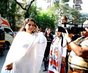 Funeral of actress Sadhana