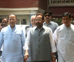 Mukhtar Abbas Naqvi meeting election commissioner