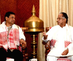 Sarbananda Sonowal calls on Gogoi