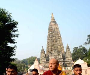 Bodh Gaya: 17th Karmapa Lama, Ogyen Trinley Dorje at Mahabodhi temple
