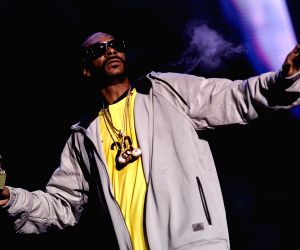 Snoop Dogg bashes Trump supporters
