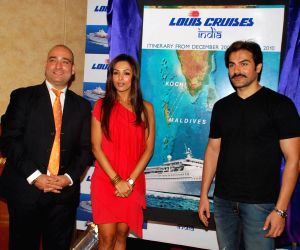 Bollywood Actor Malaika Arora Khan pose for the photographers during the announcement of Louis Cruises India's itineraries, preferred sales agents, voyage information and launch dates for operation in India using Kochi in Kerala as its homeport in Mumbai on Wednesday, 21 October 2009.