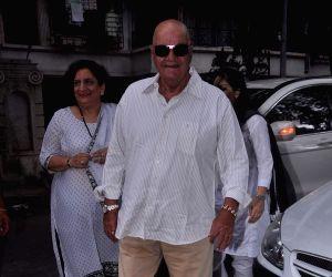Raju Hirani's father's prayer meet