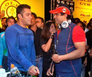 Bollywood actor Salman Khan at Gold's Gym - Mega Spinnathon 2009.