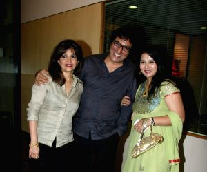 Bollywood actress Poonam Dillon with friends at the launch of Fan Club at Bhaidas Hall.