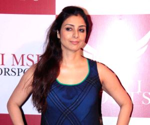 Tabu and Farah Khan celebrate '30 years of Dosti'