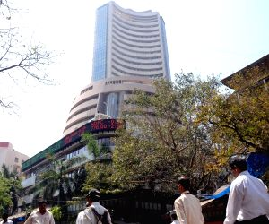 Buying support pushes equities' higher; oil stocks rise