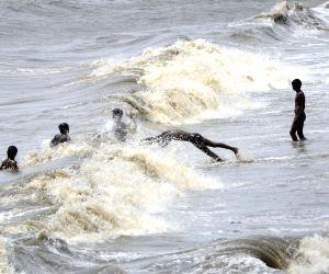 High tide at Marine sea beach
