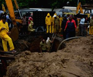 BMC workers repair Charni Road water pipeline