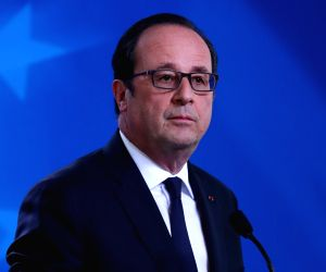 'Surgical strike' on defence forces, says Rahul as France, Dassault contradict Hollande on Rafale partner