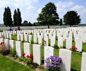 Fallen but never Forgotten : Beautiful Cemeteries from around the world !!