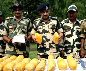 26 kg heroin seized near Indo-Pak border