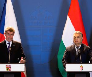 HUNGARY BUDAPEST CZECH REPUBLIC PRIME MINISTERS PRESS CONFERENCE