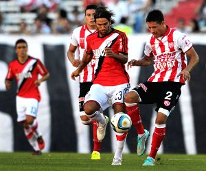 ARGENTINA-BUENOS AIRES-SOCCER-RIVER PLATE VS UNION SANTA FE
