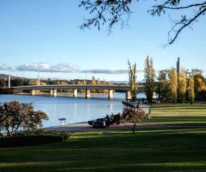 Australia-canberra-autumn-scenery