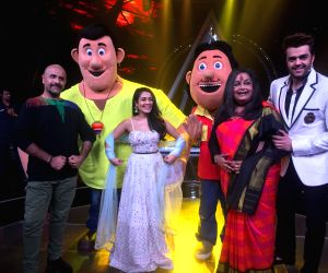 """Children Day celebration on the sets of """"Indian Idol 10"""