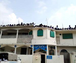 Case registered against Lal Masjid cleric for hoisting Taliban flag