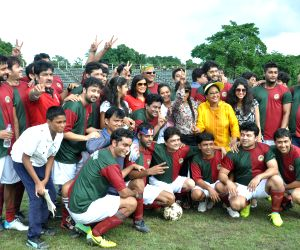 Celebrities with Mohun Bagan football team