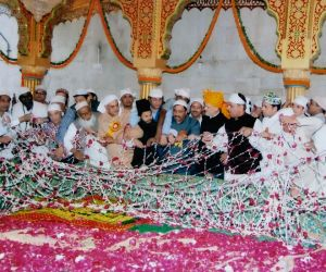 "Free Photo: ""Phool Waalon Ki Sair: An offering of communal unity at altar of secular India"