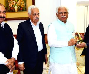Pakistani press delegation calls on Haryana CM