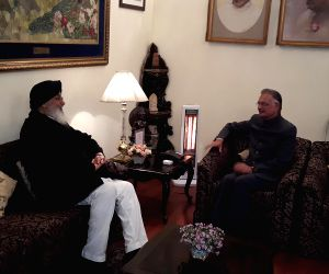 Punjab CM calls on Punjab Governor