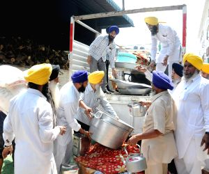 SGPC sends relief materials for Nepal quake victims