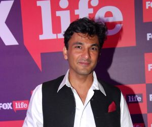 Filmmaker and Chef Vikas Khanna is all set to put up for the world's largest Eid feast