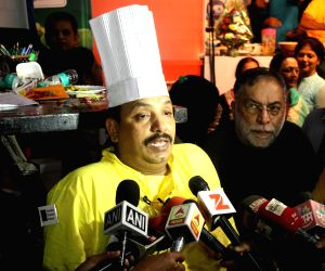 Maharashtra's Vishnu Manohar cooks for 56 hours