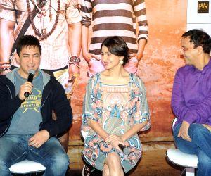 Aamir Khan and Anushka Sharma at film PK  press meet