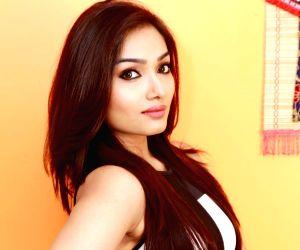 Aishwarya Devan - photoshoot