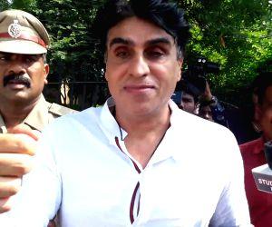 Producer Karim Morani surrenders in rape case