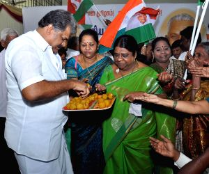 G K Vasan unveils his party flag