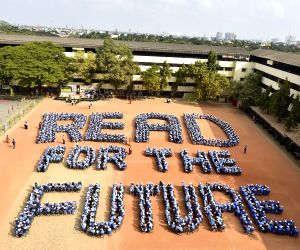 "Students campaign for ""READ FOR FUTURE"