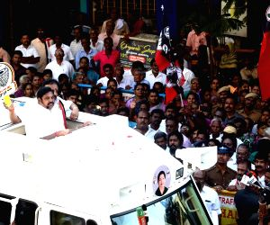 Chennai: Tamil Nadu Chief Minister and AIADMK leader Edappadi K. Palaniswami during a roadshow ahead of 2019 Lok Sabha elections, in Chennai on March 25, 2019. (Photo: IANS)