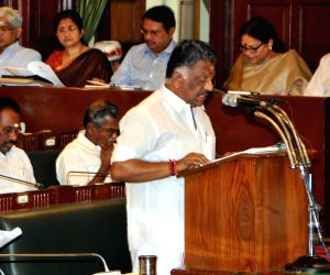 TN CM presents the state budget 2015-16