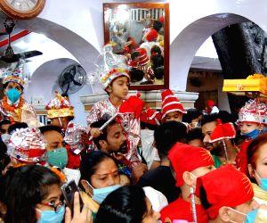 Devotees throng Bara Hanuman Temple on the first day of Navaratri