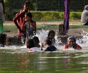 Mercury on rise in Delhi, no respite till next week