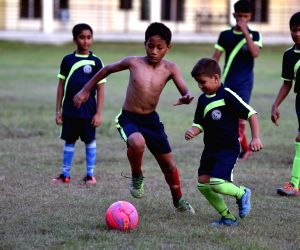 FIFA Fever - Children play football