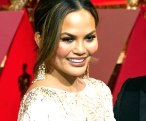 Chrissy Teigen slams media, supports Meghan Markle