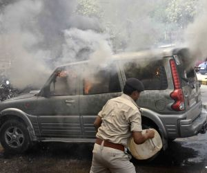 : Patna: Clashes in Patna over a land grabbing case
