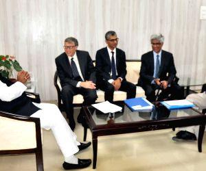 Bill Gates with Nitish Kumar