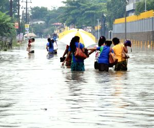 13 killed as heavy rains lash Sri Lanka