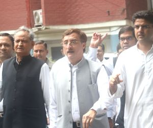 Rajasthan Congress leaders complain to CEC about bogus votes