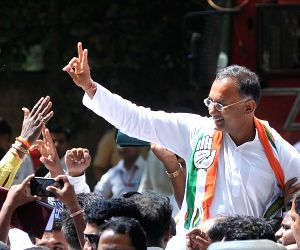 Karnataka Assembly elections - Congress' Dinesh Gundu Rao celebrates