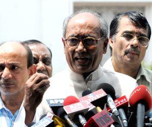Digvijay Singh addressing a press conference